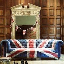 Фотография: Гостиная в стиле Кантри, Классический, Декор интерьера, Великобритания, Мебель и свет, Диван – фото на InMyRoom.ru