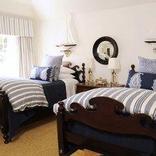 Фотография: Спальня в стиле Кантри, Декор интерьера, Часы, Декор дома, Ткани, Галерея Арбен, Морской, Лампы – фото на InMyRoom.ru