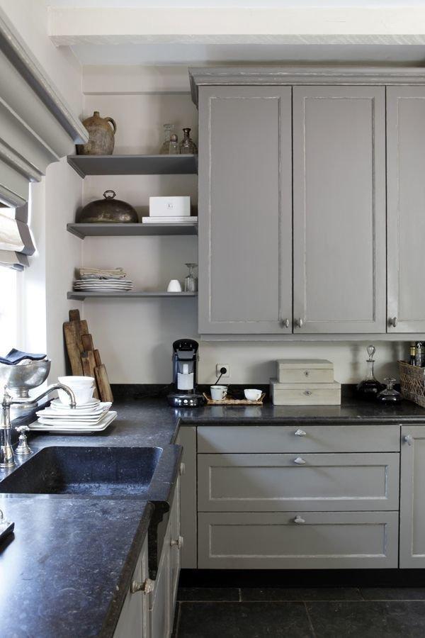 Фотография: Кухня и столовая в стиле Прованс и Кантри, Мебель и свет, Советы, Ремонт на практике – фото на InMyRoom.ru