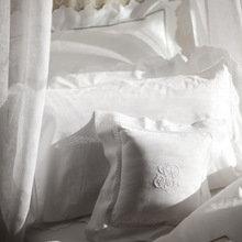 Фотография: Спальня в стиле Кантри, Современный, Франция, Интерьер комнат, Comptoir de Famille, Текстиль, Стол, Кровать, Гардероб, Комод, Интерьерная Лавка – фото на InMyRoom.ru