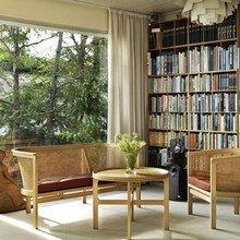 Фотография: Гостиная в стиле Восточный, Декор интерьера, Декор дома, Полки, Библиотека – фото на InMyRoom.ru