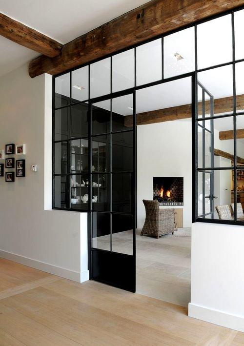 Помогите найти компанию,которая делает стеклянные перегородки с металлическим черным профилем