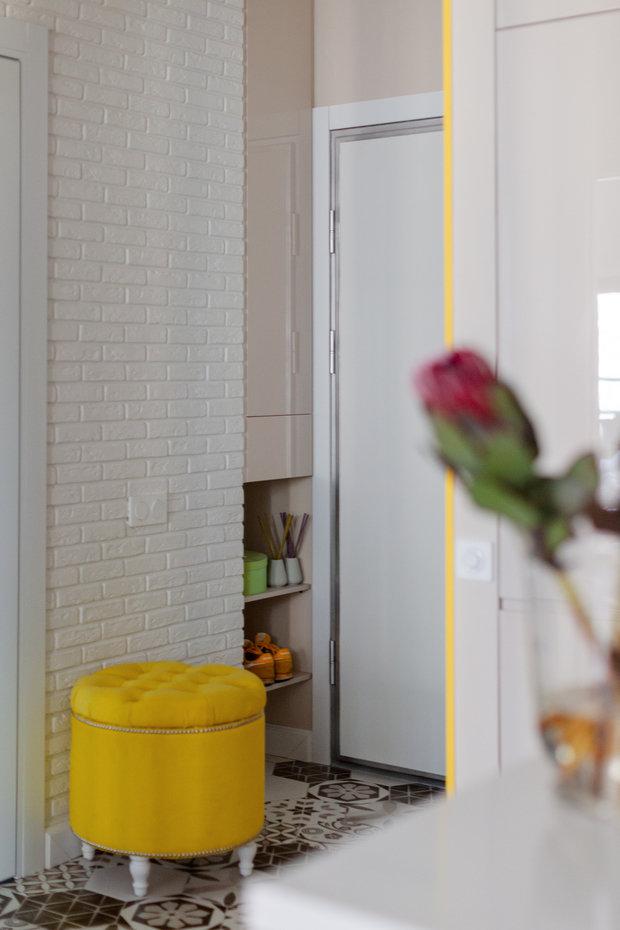 Фотография: Прихожая в стиле Современный, Квартира, Проект недели, Москва, 1 комната, до 40 метров, 40-60 метров, Анастасия Бондарева – фото на INMYROOM