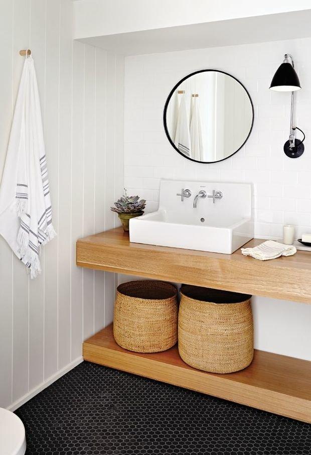 Фотография: Ванная в стиле Скандинавский, Мебель и свет, Советы, Ремонт на практике – фото на InMyRoom.ru