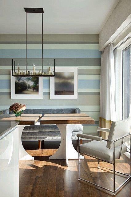 Фотография: Кухня и столовая в стиле Современный, Малогабаритная квартира, Интерьер комнат, Советы, Зеркала – фото на InMyRoom.ru