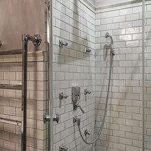 Фотография: Ванная в стиле Классический, Эклектика, Квартира, Проект недели, Москва, декоративный камин в гостиной, Ольга Абрамова, стеллажи, монолитный дом – фото на InMyRoom.ru