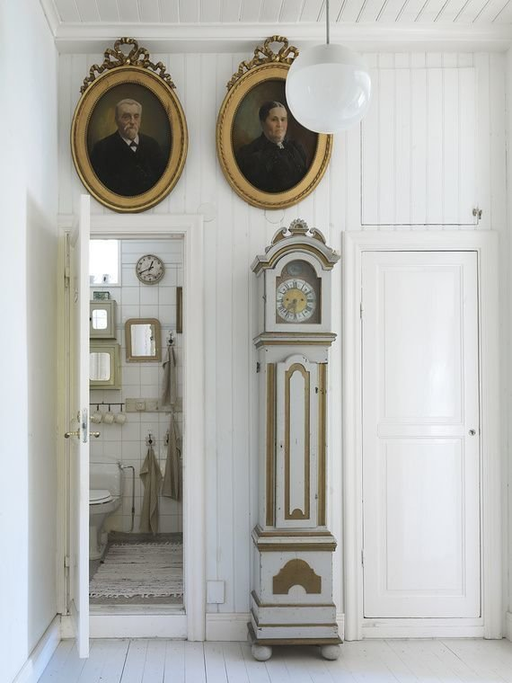 Фотография: Ванная в стиле Прованс и Кантри, Классический, Декор интерьера, Декор дома, Картины – фото на InMyRoom.ru