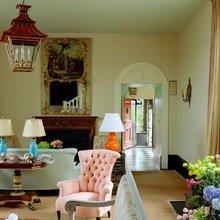 Фотография: Гостиная в стиле Кантри, Кухня и столовая, Декор интерьера, Декор дома, Цвет в интерьере, Белый, Камин, Бирюзовый – фото на InMyRoom.ru