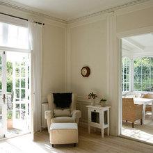 Фотография: Мебель и свет в стиле Кантри, Дом, Цвет в интерьере, Дома и квартиры, Белый – фото на InMyRoom.ru
