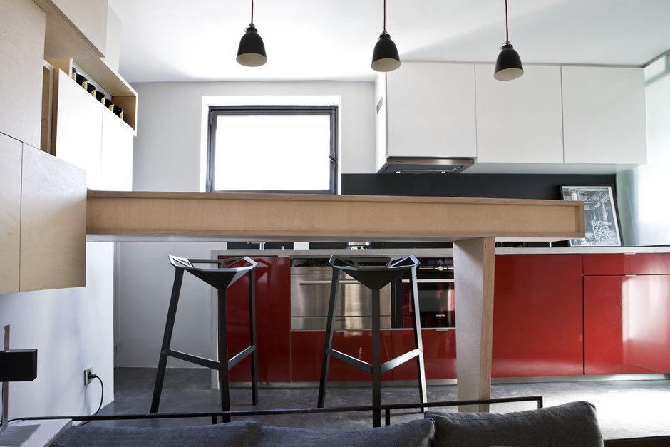 Фотография: Кухня и столовая в стиле Скандинавский, Лофт, Малогабаритная квартира, Квартира, Дома и квартиры – фото на InMyRoom.ru