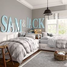 Фотография: Спальня в стиле Скандинавский, Декор интерьера, Дизайн интерьера, Цвет в интерьере, Серый – фото на InMyRoom.ru