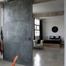 Фотография: Спальня в стиле Лофт, Декор интерьера, Квартира, Дом, Советы, Бежевый, Серый, Коричневый – фото на InMyRoom.ru