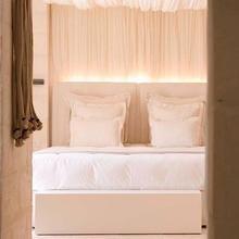 Фотография: Спальня в стиле Кантри, Дома и квартиры, Городские места, Отель, Подсвечники – фото на InMyRoom.ru