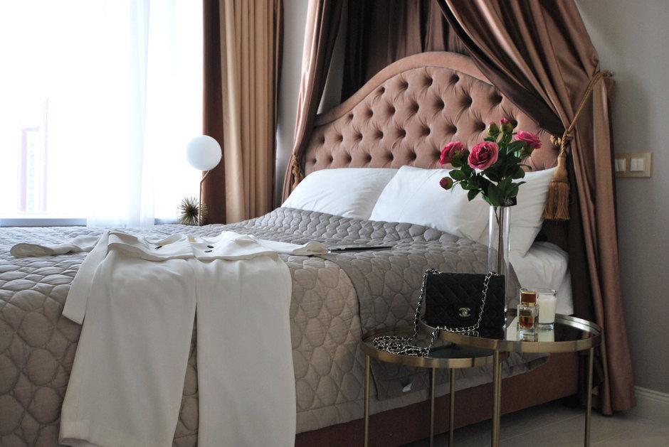 Фотография: Спальня в стиле Современный, Классический, Квартира, Проект недели, Екатеринбург, Монолитный дом, 3 комнаты, Более 90 метров, MEDIANA interiors – фото на InMyRoom.ru