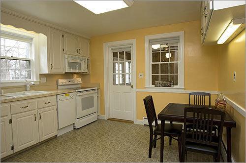 Фотография: Кухня и столовая в стиле , Интерьер комнат, Плитка – фото на InMyRoom.ru