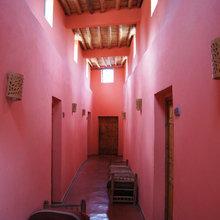Фотография: Прихожая в стиле Восточный, Декор интерьера, Дом, Декор дома, Цвет в интерьере – фото на InMyRoom.ru