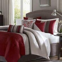 Фотография: Спальня в стиле Современный, Интерьер комнат, Цвет в интерьере, Красный – фото на InMyRoom.ru