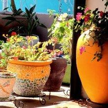 Фотография: Декор в стиле Эко, Балкон, Ландшафт, Терраса, Советы, Мария Шумская, Есения Семипядная, элегантный городской балкон, винтажные вещи на балконе, восточный декор для балкона, балкон в средиземноморском стиле, ландшафтный дизайн для балкона, горизонтальное озеленение, хвойные растения на балконе – фото на InMyRoom.ru