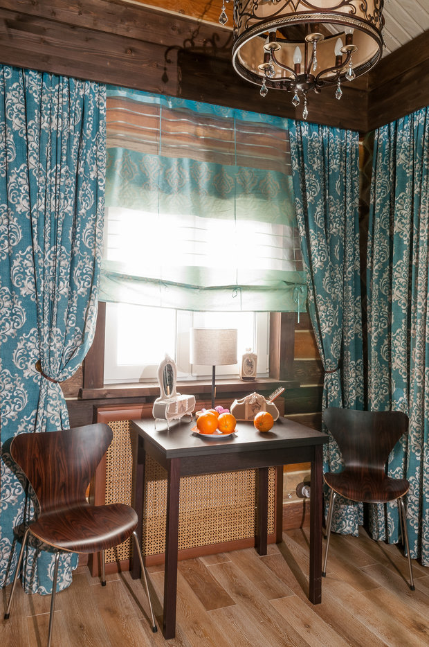 Фотография: Кухня и столовая в стиле Прованс и Кантри, Спальня, Интерьер комнат, Мансарда – фото на InMyRoom.ru