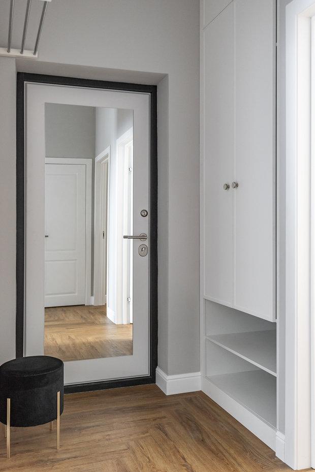 Фотография: Прихожая в стиле Современный, Квартира, Проект недели, 3 комнаты, 60-90 метров, Тюмень, Александра Хасанова – фото на INMYROOM