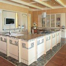 Фотография: Кухня и столовая в стиле Современный, Декор интерьера, Мебель и свет, Мозаика, Декоративная штукатурка, Альтокка – фото на InMyRoom.ru