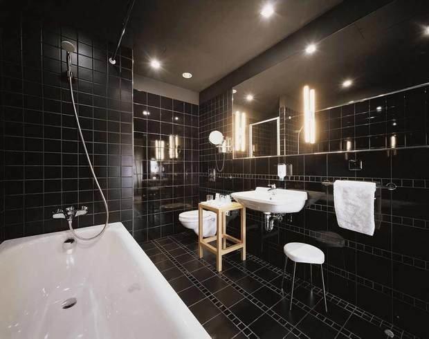Фотография: Ванная в стиле Современный, Хай-тек, Интерьер комнат, Мебель и свет, Советы – фото на InMyRoom.ru