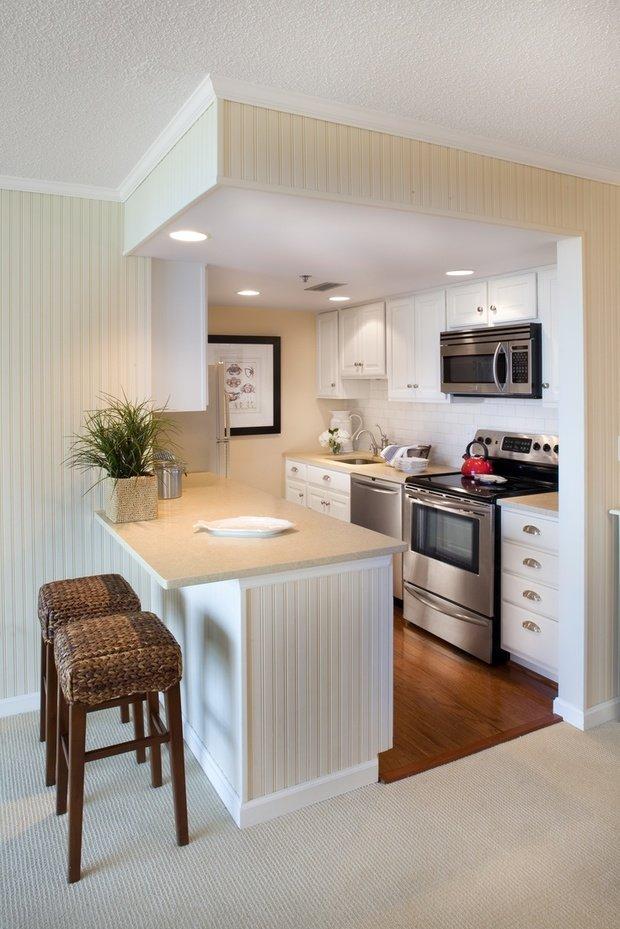 Фотография: Кухня и столовая в стиле Прованс и Кантри, Малогабаритная квартира, Квартира – фото на InMyRoom.ru