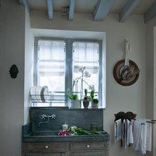 Фотография: Ванная в стиле Кантри, Дом, Дома и квартиры, Камин, Свечи – фото на InMyRoom.ru