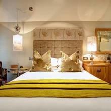 Фотография: Спальня в стиле Эклектика, Терраса, Дома и квартиры, Городские места, Отель – фото на InMyRoom.ru