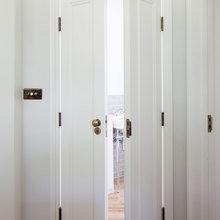 Фотография: Ванная в стиле , Квартира, Цвет в интерьере, Дома и квартиры, Белый, Лондон, Лепнина – фото на InMyRoom.ru