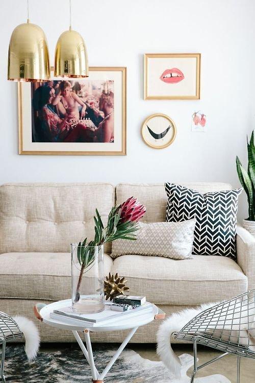 Фотография: Гостиная в стиле Скандинавский, Декор интерьера, Дизайн интерьера, Цвет в интерьере, Желтый – фото на InMyRoom.ru