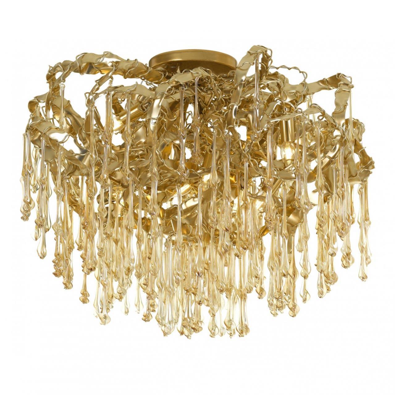 Потолочная люстра золотого цвета