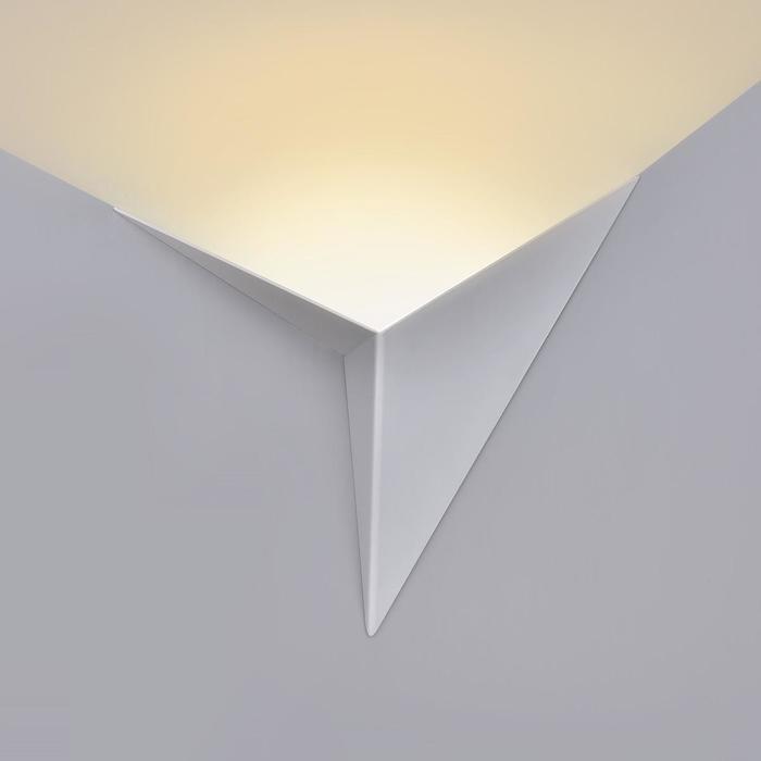 Настенный светодиодный светильник Elektrostandard Parete Led белый