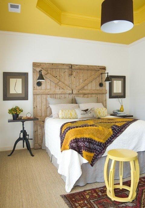 Фотография: Спальня в стиле Прованс и Кантри, Декор интерьера, Дизайн интерьера, Цвет в интерьере, Потолок – фото на InMyRoom.ru