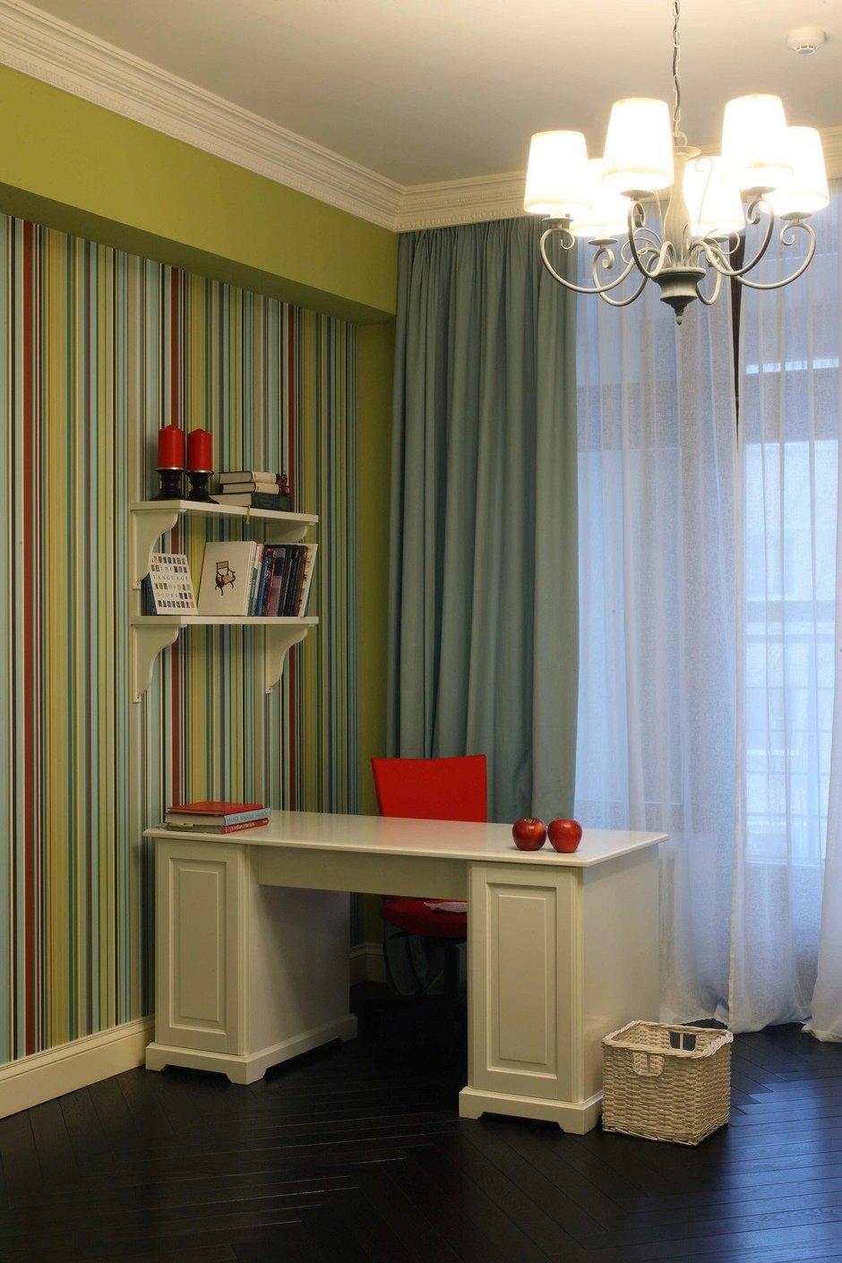 Фотография: Офис в стиле Современный, Классический, Квартира, Дома и квартиры – фото на InMyRoom.ru