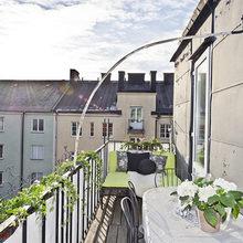 Фотография: Балкон в стиле Кантри, Гардеробная, Скандинавский, Малогабаритная квартира, Квартира, Швеция, Цвет в интерьере, Дома и квартиры, Белый – фото на InMyRoom.ru