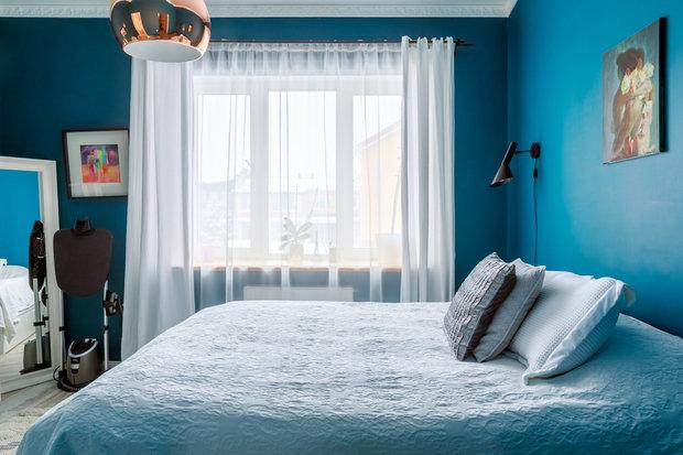 Фотография: Спальня в стиле Скандинавский, Проект недели, Samsung, Таунхаус, 4 и больше, Спецпроект, интерьерный холодильник, интерьерная микроволновая печь – фото на INMYROOM