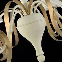 Подвесная люстра Maytoni Intreccio с белыми абажурами
