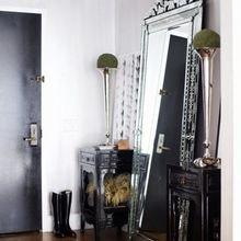 Фотография: Прихожая в стиле Эклектика, Советы, Ремонт на практике, косметический ремонт, хранение в прихожей, свет в прихожей – фото на InMyRoom.ru