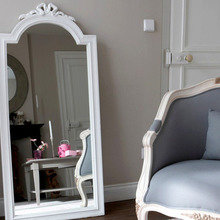 Фотография: Мебель и свет в стиле Кантри, Декор интерьера, Дом, Декор дома, Зеркало – фото на InMyRoom.ru