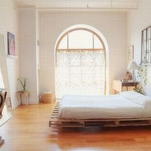 Фотография: Спальня в стиле Скандинавский, Эко, Декор интерьера, DIY, Квартира, Дом, Мебель и свет – фото на InMyRoom.ru