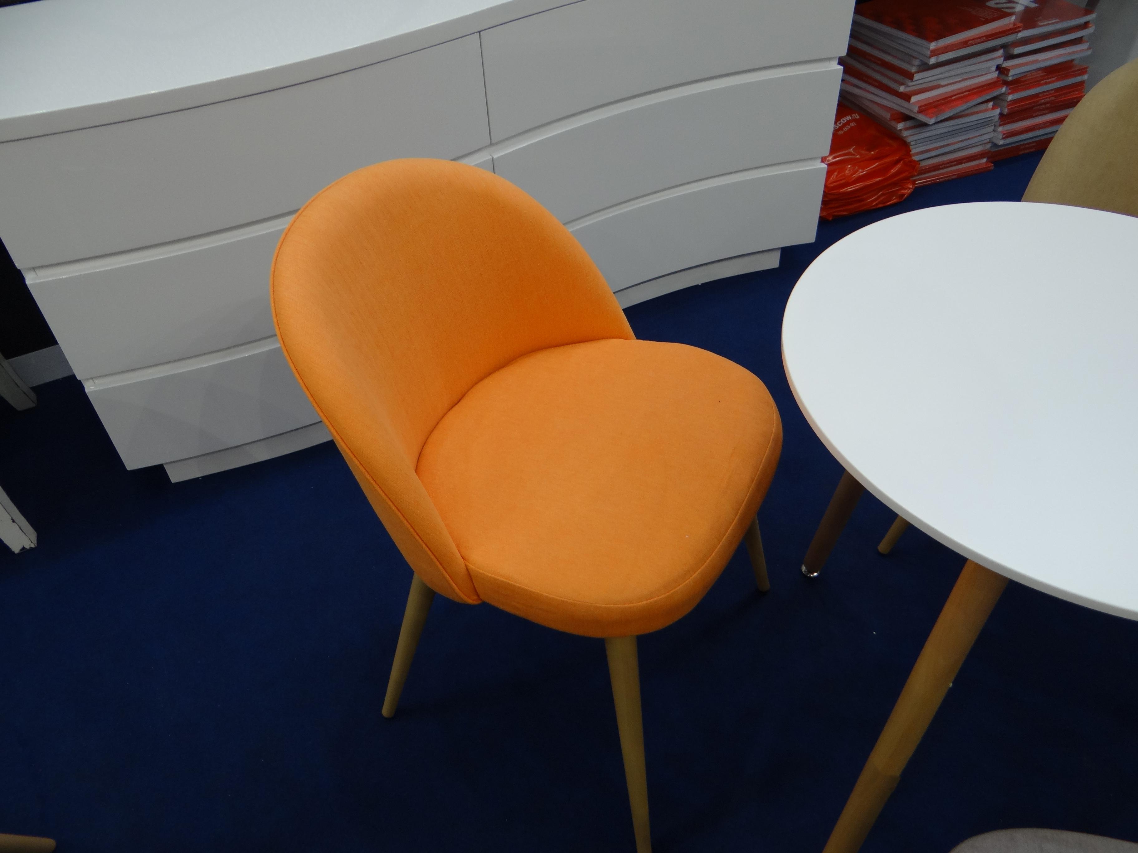 Купить со скидкой Оранжевый стул томас с мягким сидением