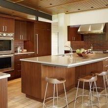Фотография: Кухня и столовая в стиле Кантри, Классический, Современный, Стиль жизни, Советы – фото на InMyRoom.ru