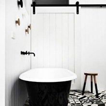 Фотография: Ванная в стиле Кантри, Декор интерьера, Дизайн интерьера, Цвет в интерьере – фото на InMyRoom.ru
