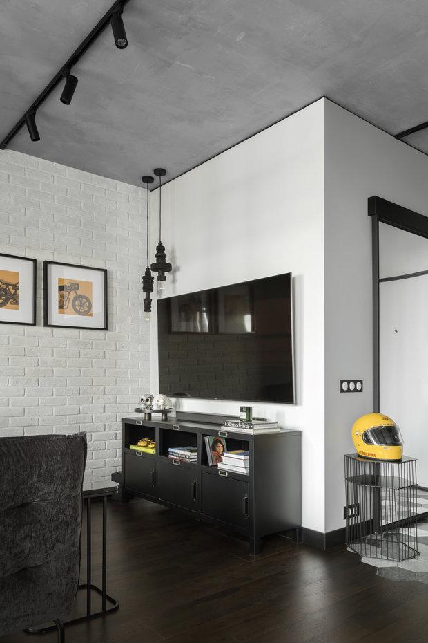 Фотография: Гостиная в стиле Лофт, Квартира, Студия, Проект недели, Москва, 1 комната, до 40 метров, 40-60 метров, Влада Загайнова – фото на INMYROOM