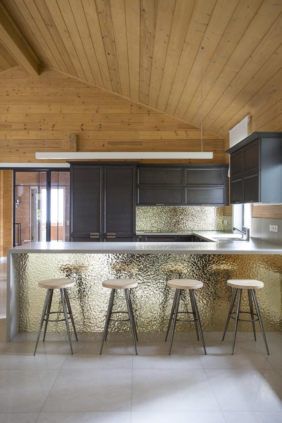 Фотография: Кухня и столовая в стиле Современный, Эко, Дом, 4 и больше, Более 90 метров, Студия TS Design, #эксклюзивныепроекты – фото на InMyRoom.ru
