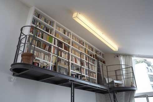 Фотография: Прочее в стиле Лофт, Декор интерьера, Декор дома, Полки, Библиотека – фото на InMyRoom.ru