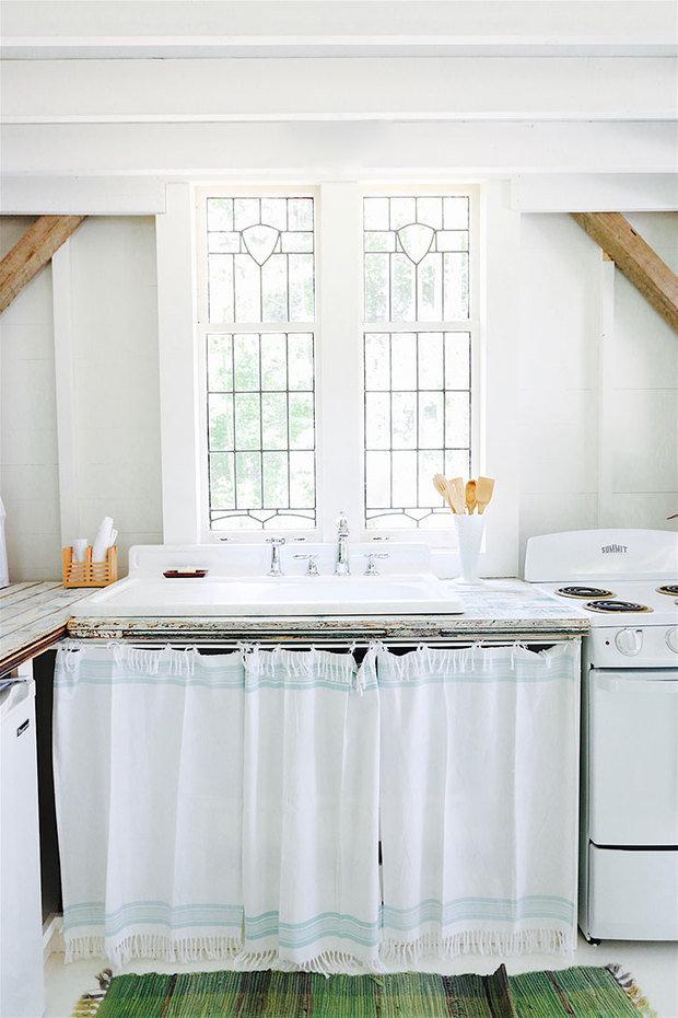 Фотография: Кухня и столовая в стиле Прованс и Кантри, Канада, Дача, Дом и дача – фото на InMyRoom.ru