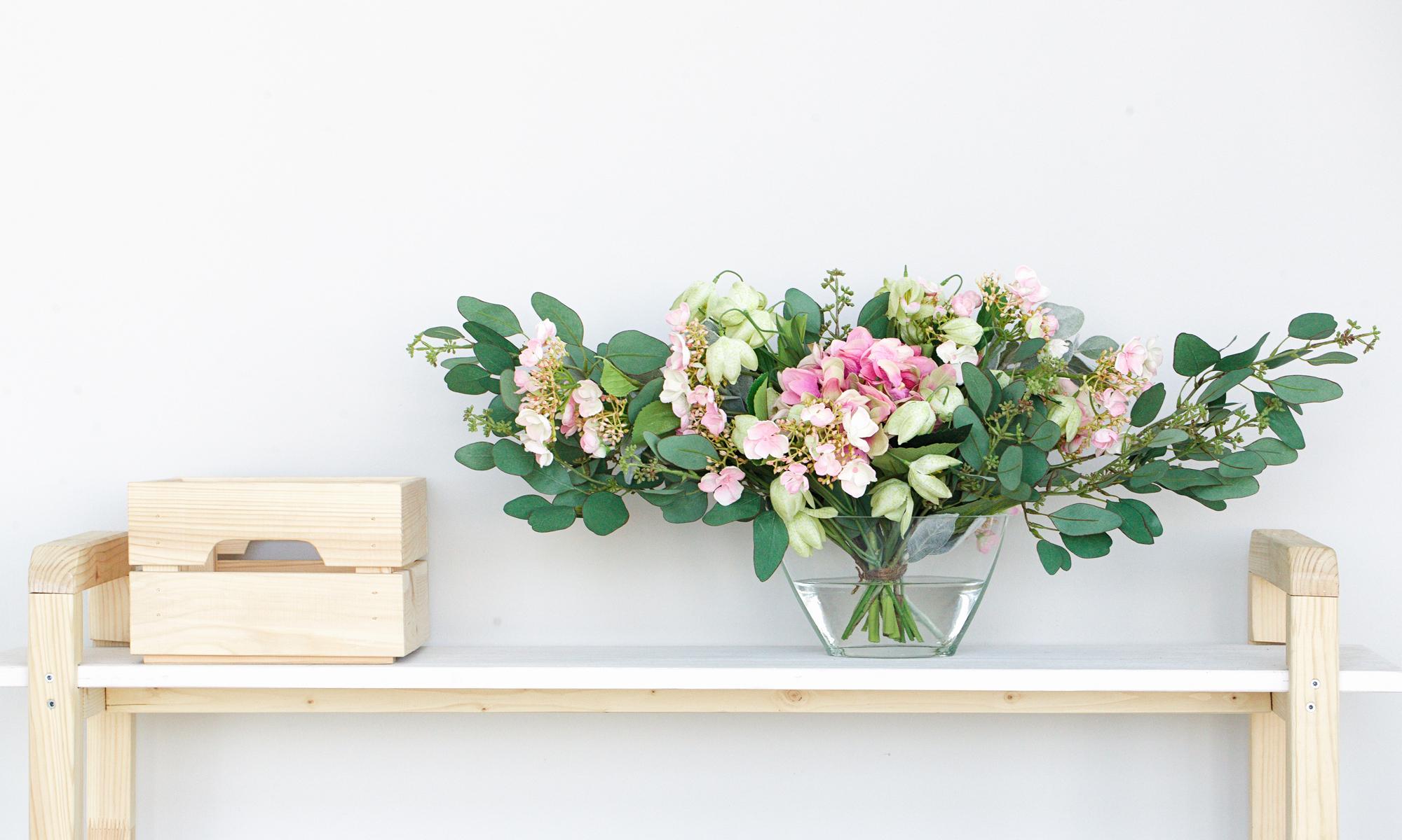 Купить Композиция из искусственных цветов - розовая гортензия, эвкалипт, рябчики, inmyroom, Россия