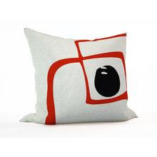 Декоративная подушка: Яркое пятно